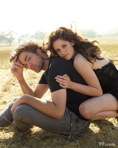 http://www.thebosh.com/celebritypictures/sites/default/files/photos/image_1/Kristen%20Stewart%20and%20Robert%20Pattinson6.jpg